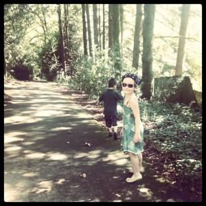 woods w-lurah sunglasses & SAm's back